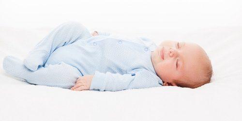 afgeplat hoofdje baby voorkomen